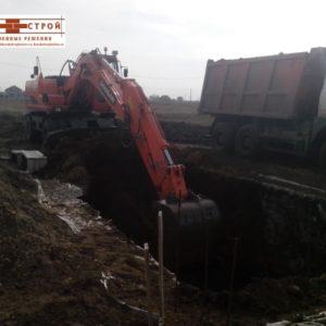 Выемка и перемещение грунта спецтехникой в Курске (3)